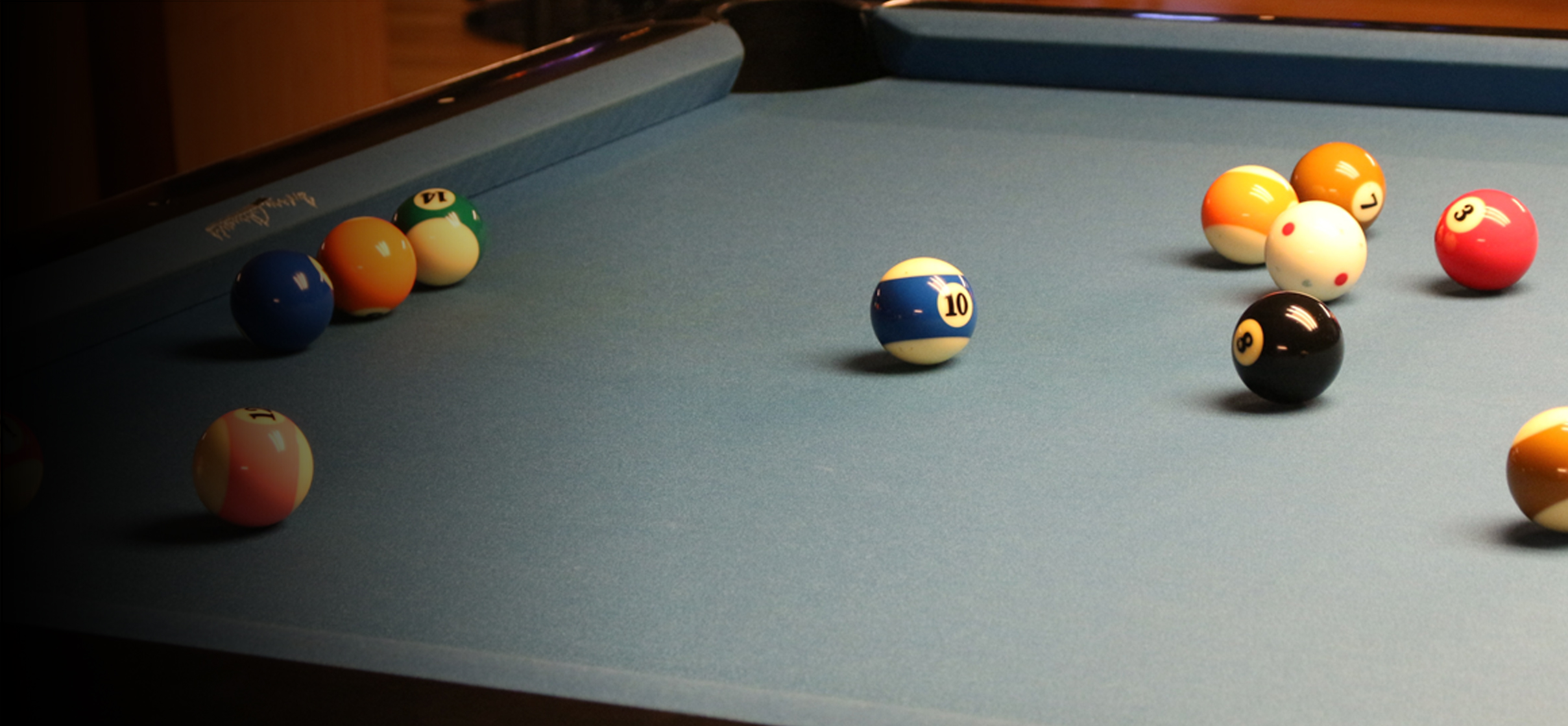 banner_poolTable